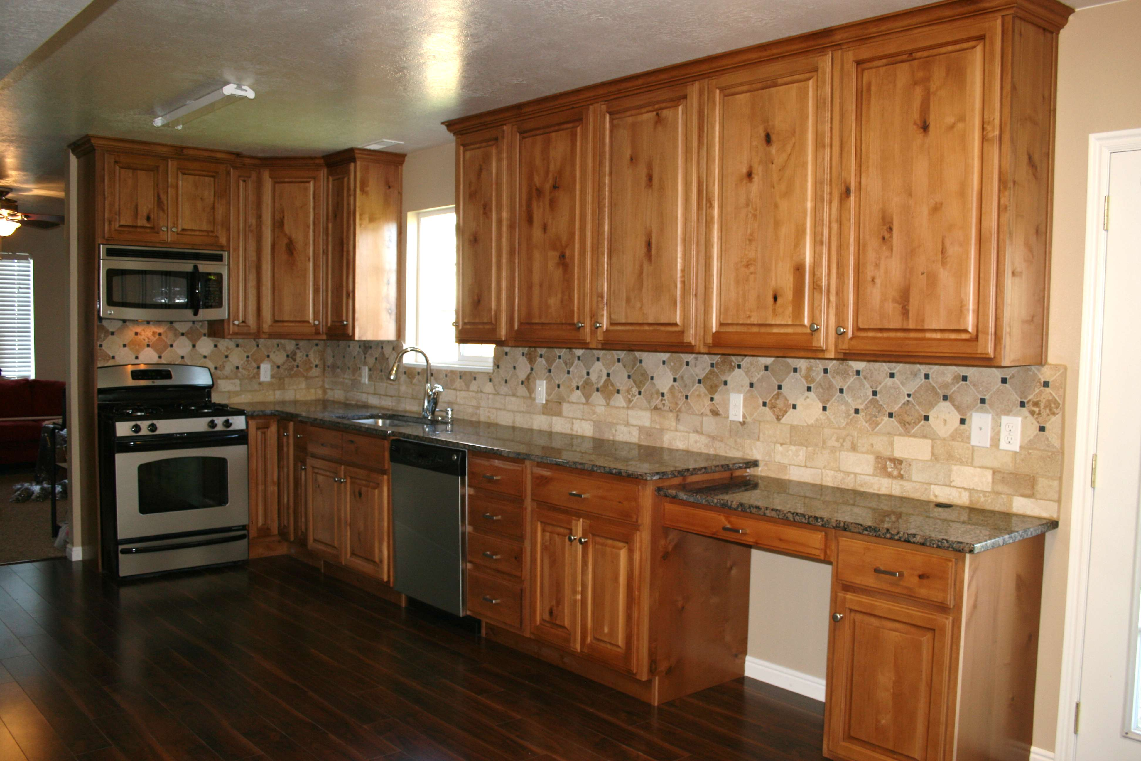 Kitchens - Countertops and backsplashes for kitchens ...